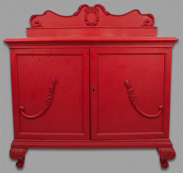Vintage piros szekrény