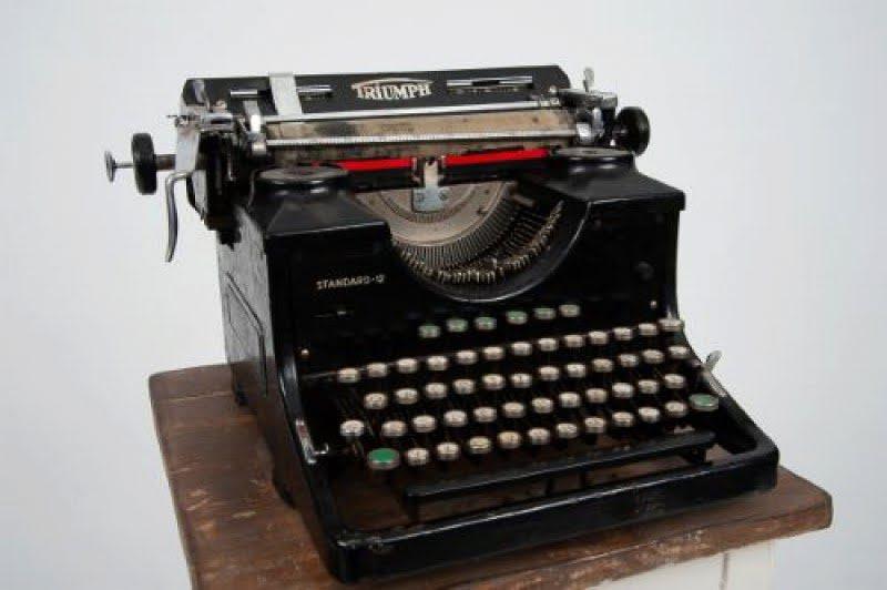Nagymami írógépe 0